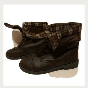 Discovery Clothing Line Adjustable Boots!